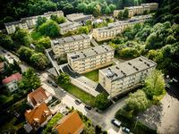 """Kampus akademicki tworzą cztery domy studenckie oraz klub studencki """"Medyk"""""""