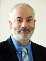 prof. dr hab. Piotr Czauderna
