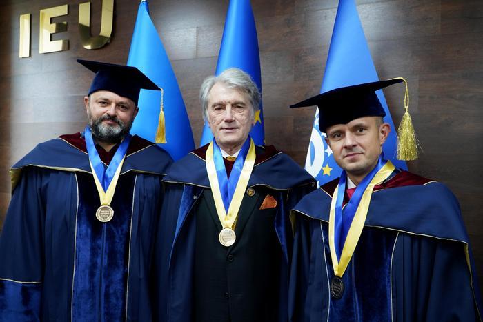 Rostyslav Valikhnovski, Wiktor Juszczenko, prof. Miłosz Jaguszewski